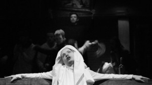 Paulina Galazka Teatr Szwalnia matka joanna